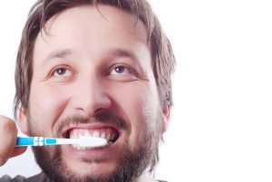 Sanguinamento gengive lavo denti